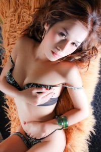 apple-young-slim-thai-escort-mdel-03