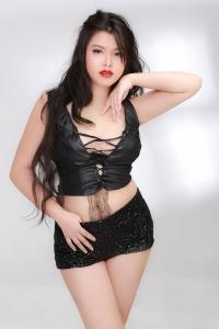 bell-busty-bangkok-escort-model-07