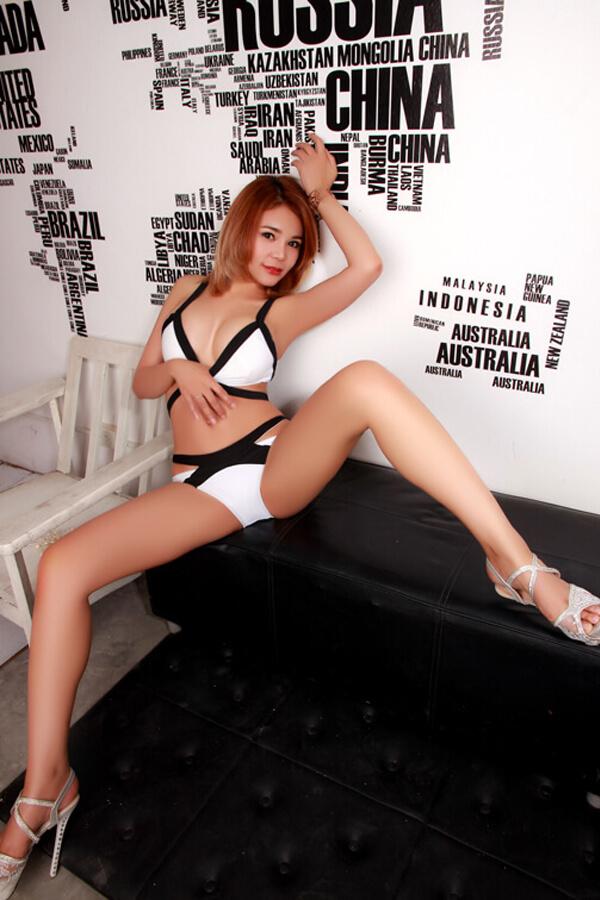 Mona Young Busty Thai Escorts Bangkok 01