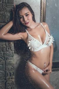 reena-busty-escort-bangkok-01