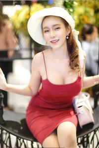 reena-busty-escort-bangkok-05