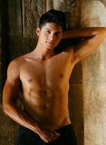 ian-thai-gay-male-massage-bangkok-01
