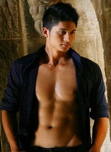 ian-thai-gay-male-massage-bangkok-02