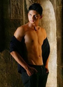 ian-thai-gay-male-massage-bangkok-03
