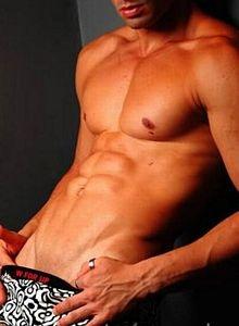 matheus-western-bisexual-man-massage-escort-bangkok-02